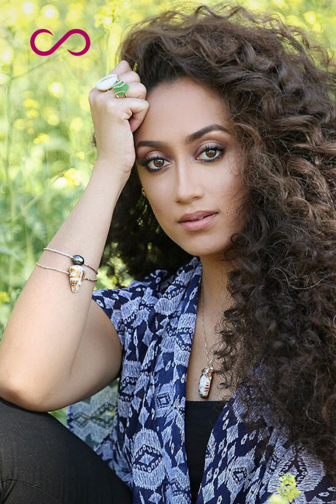 hairfinity-long-hair-curly
